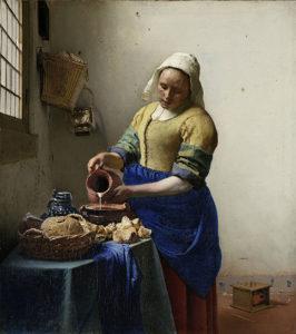 Johannes Vermeer, Het Melkmeisje, ca. 1660, Rijksmuseum, Amsterdam. Is het werkelijk een melkmeid? Of toch eerder een keukenmeid. Ervaar er meer over tijdens een privé rondleiding.